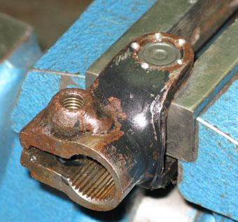 krestovina 1 340 - Карданный вал рулевой рейки
